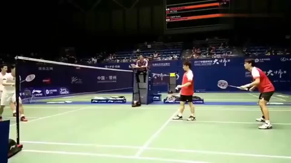 太厉害了!羽毛球双打完美的站位和配合,以及赏心悦目的跑位!