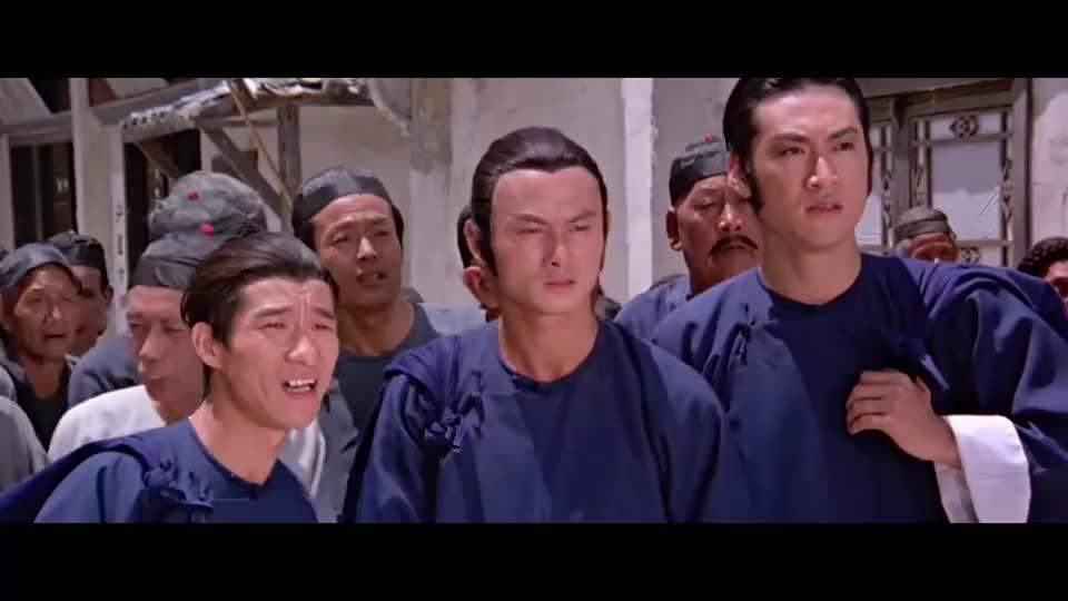 刘家辉说了一句犯人是个好汉,当场就被抓住,还无故挨了一巴掌