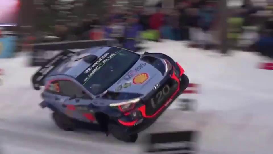 WRC:这以头抢地耳还冒个火花可真秀,一看就是油门没到底