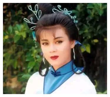 曾是TVB的当家花旦,《笑傲江湖》中任盈盈,今54岁的她谁还记得