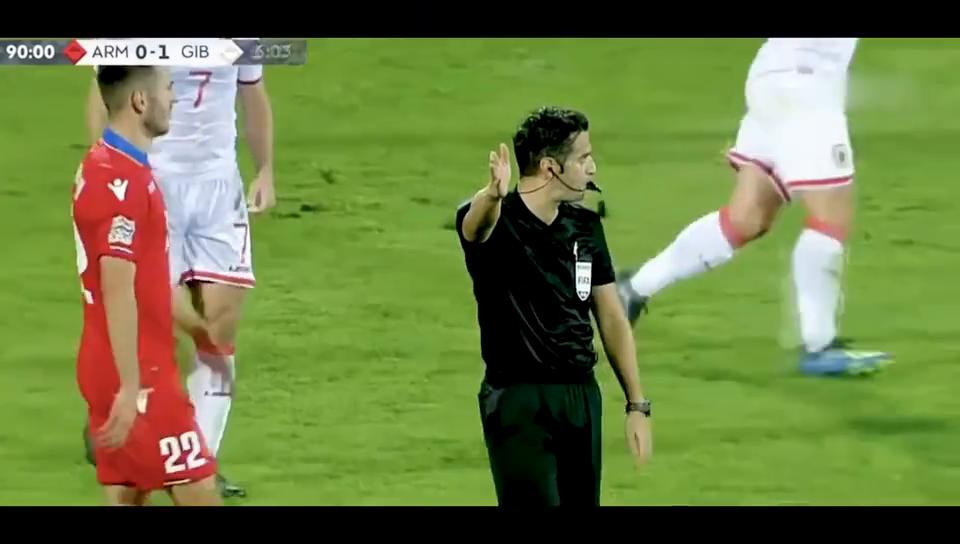 仅3万人小国直布罗陀1-0亚美尼亚国史首胜赛后球员抱头痛哭
