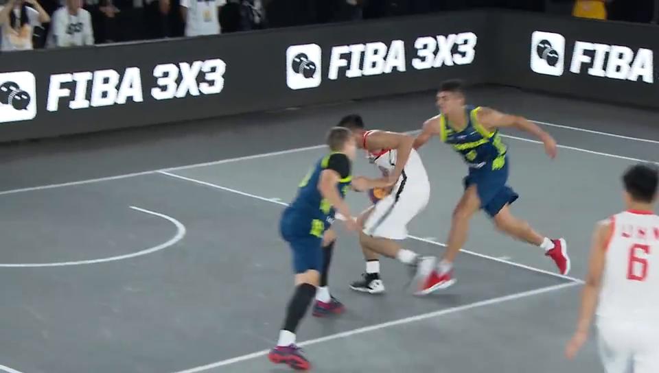 3V3篮球世界杯中国队集锦四位小伙打出了精气神