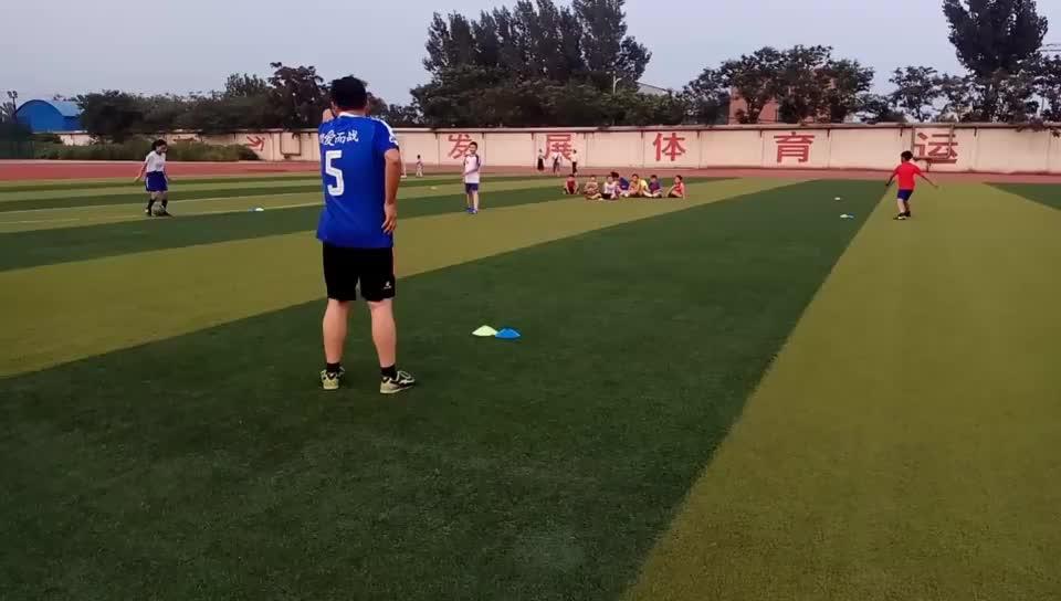 第三届暑期少年足球训练记录5 加强传球训练,确保对抗赛的流畅性