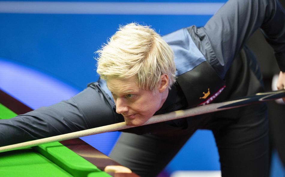 2020年斯诺克世锦赛第二轮,罗伯逊13-9淘汰霍金斯,晋级八强