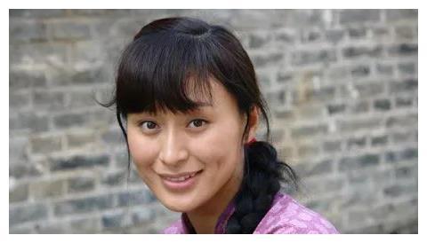 她出道21年零绯闻,嫁给同班同学,如今41岁出演《小欢喜》获称赞