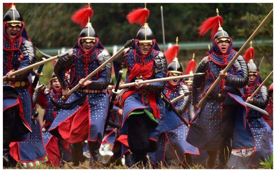 正宗的八旗后裔还有吗?和珅子孙在农村种地,仍保留祖先排场传统