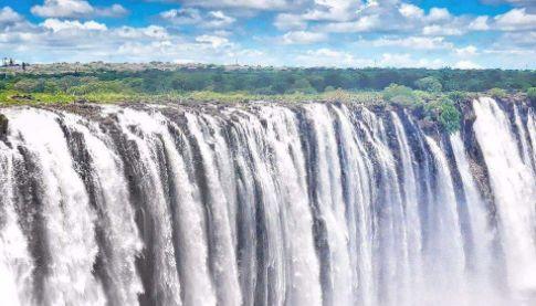 维多利亚瀑布——世界上最大和最美丽的瀑布之一