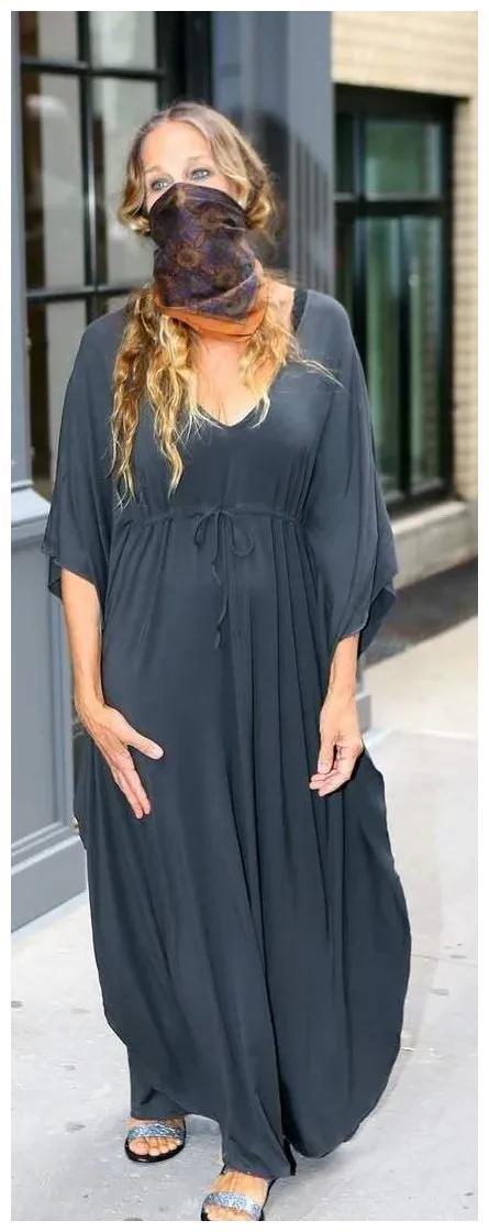 《欲望都市》女主穿长袍仿佛尼姑,衣品直线下降是怎么回事