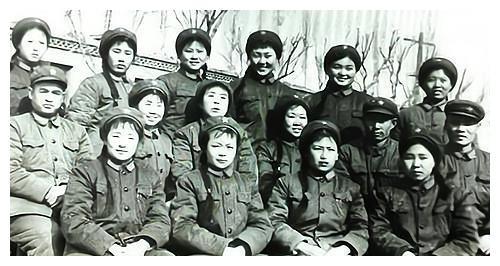 日军上海登陆,双方战斗节奏加快,蒋介石却差点被话务员小姐气疯