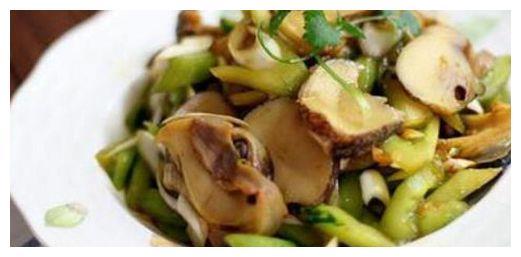 精选美食:温拌海螺肉,蒜泥菠菜鸡蛋,酸辣肥肠,糖醋虾的做法
