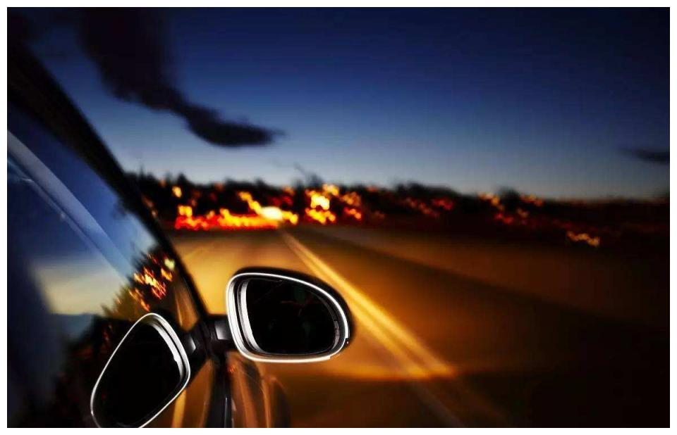 车子大灯太暗,到底是改氙气灯还是改LED灯?过来人告诉你真相