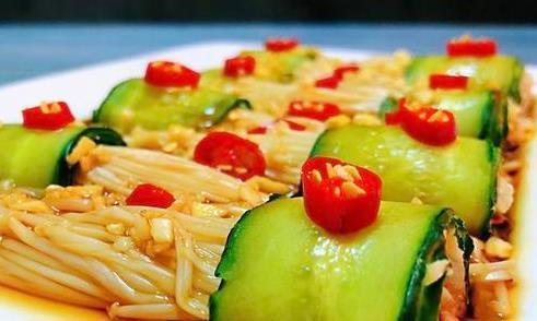 精选美食:涝汁凉拌金针菇,素罗汉斋烩饭,红烧大虾,番茄鲜菇汤