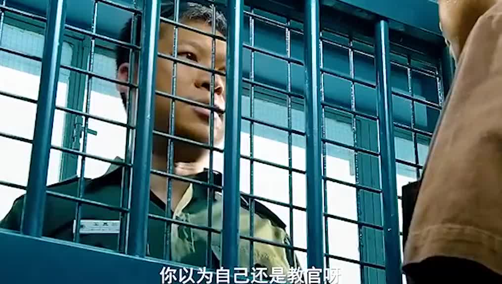 甄子丹监狱大战十多人,一个能打的都没!