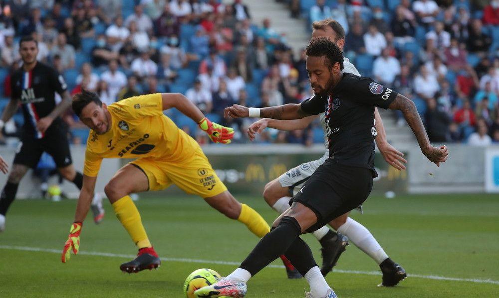 内马尔两球 巴黎圣日耳曼友谊赛踢出了9-0大比分