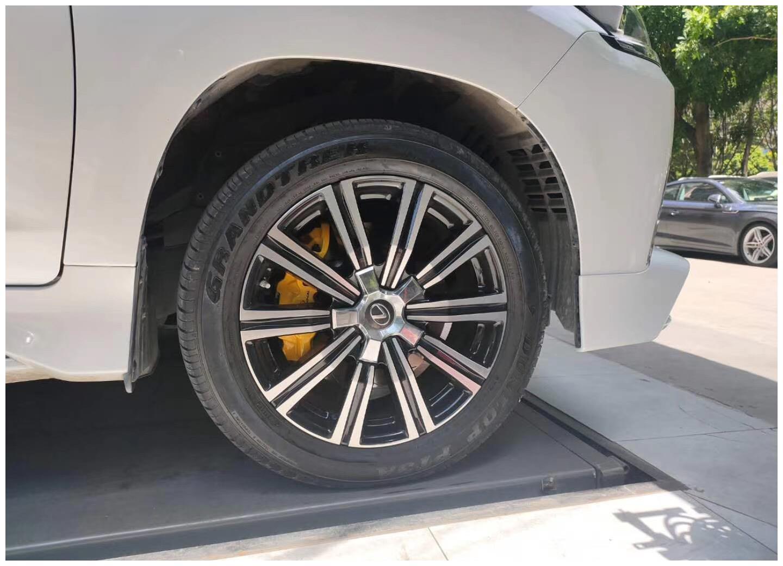 雷克萨斯LX570  刹车升级前轮AP8520大六搭配380划线盘