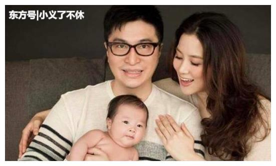 李家诚昔日带娃很用心,走路还逗儿子笑,徐子淇推婴儿车模仿老公