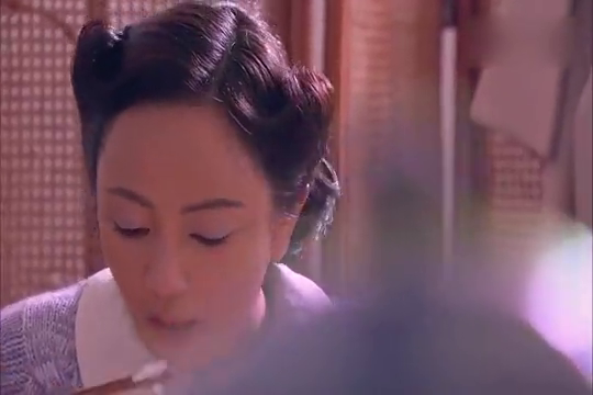 邓子华看望萨拉丽娃,发现她相信井深一郎,他该怎样劝说?