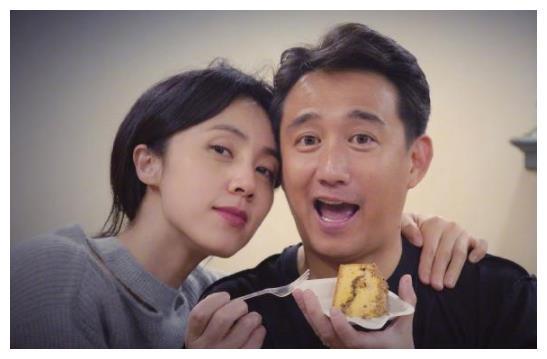 黄磊儿子罕见侧脸曝光,完美避开爸妈优秀基因,难怪一直不公开