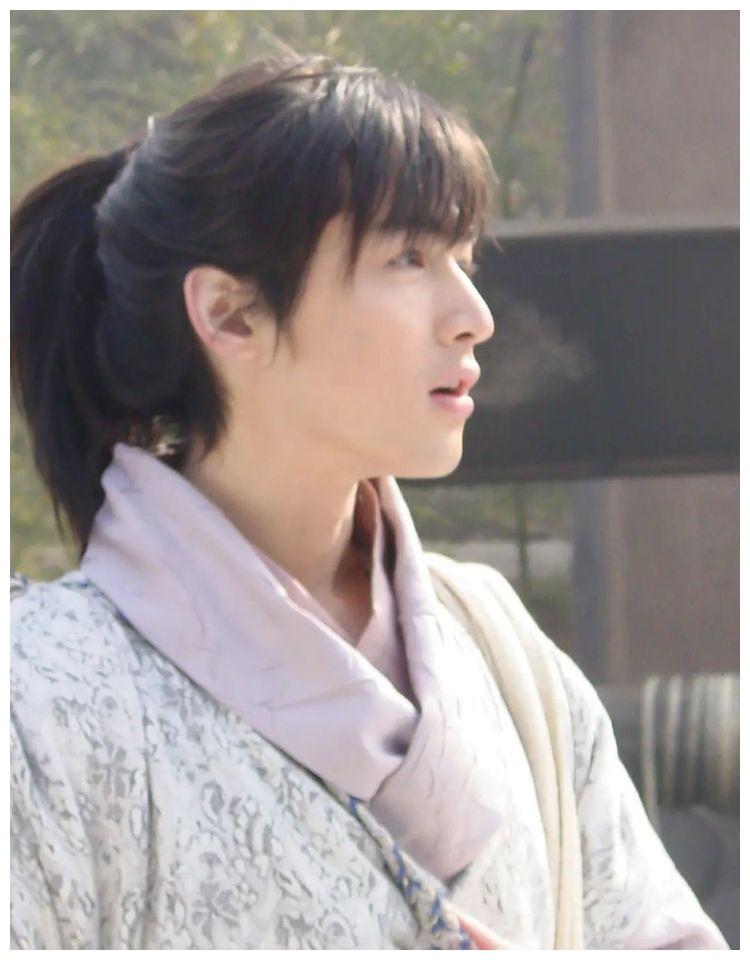 时隔15年,胡歌《仙剑》拍摄花絮曝光,网友:李逍遥到底爱谁?