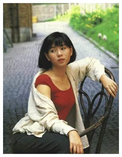 罗慧娟:星爷的初恋女友,33岁意外失聪,45岁悲惨离世