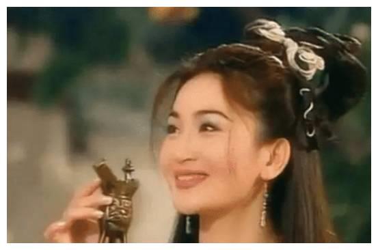 """同样都是演""""苏妲己"""",范冰冰霸气张馨予妖媚,看到刘亦菲:爱了"""