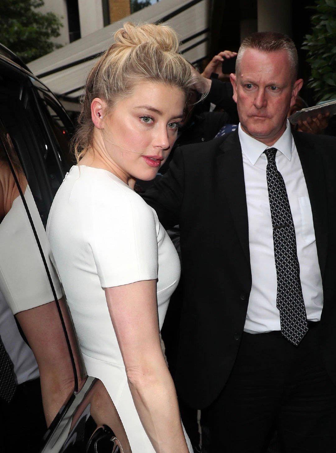 状态超好!艾梅柏·希尔德(Amber Heard)伦敦最新街拍