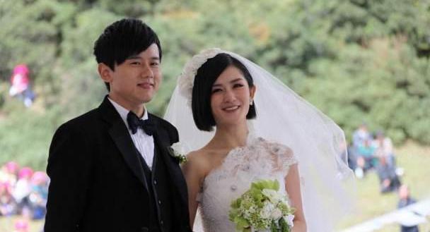 张杰谢娜结婚九周年,张杰晒照