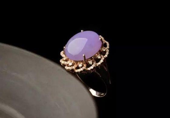这些精致的紫罗兰翡翠首饰,真是太美了