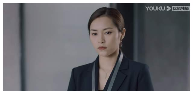《紧急公关》尹静雅,现代职场精英范儿,成熟女性的魅力真迷人