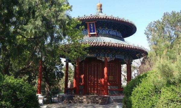 北京有处公园走红,门票翻5倍游客仍说便宜,有北京最大的牡丹园