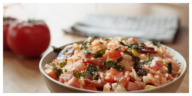 |懒人菜谱,一只番茄饭你值得拥有,制作简单,只比煮饭多几步!