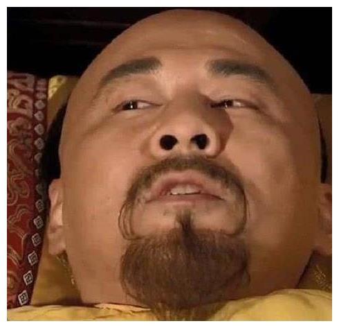 甄嬛传:才明白皇上临死前,为何要摸下甄嬛头,你看她头上有什么