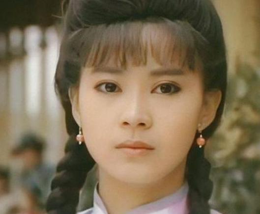 """56岁""""婉君""""俞小凡,与翁家明因戏生情却遭背叛,为孩子不离婚"""