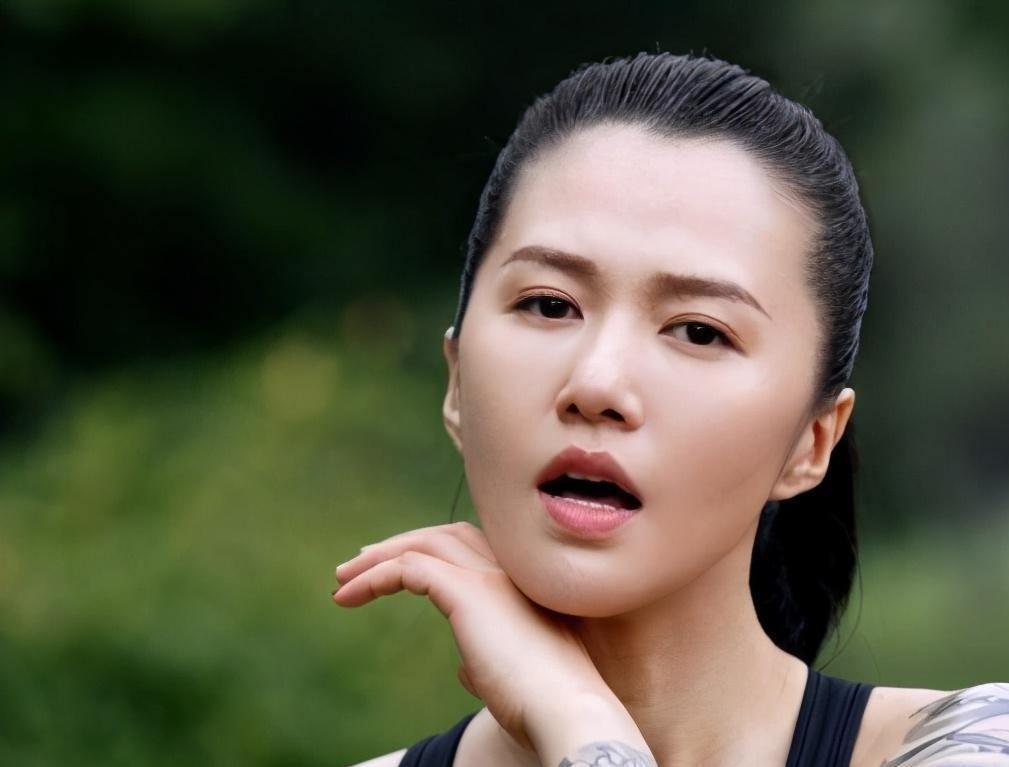 谭维维陈亦飞因戏生情,求婚成功后低调结婚,十分甜