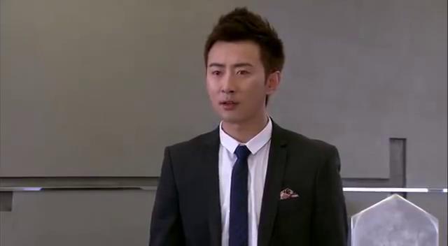 韩力找徐浩当间谍,帮他监视叶凡和齐飞,还威胁徐浩要抢回梦华