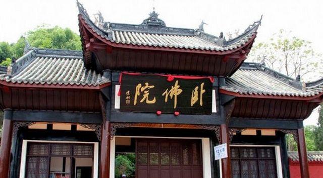 资阳寺庙众多人文古迹丰富,古代雕刻大宝库,能工巧匠生动完整
