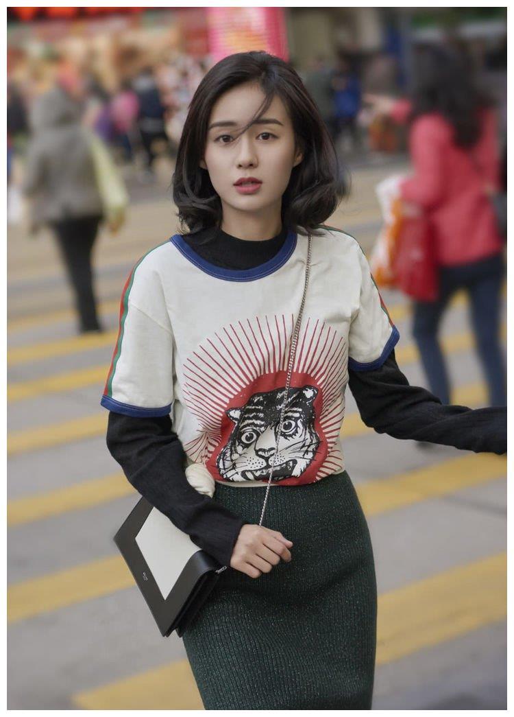 她是娱乐圈的一股清流,白敬亭的初吻对象,是甜美的日系女孩