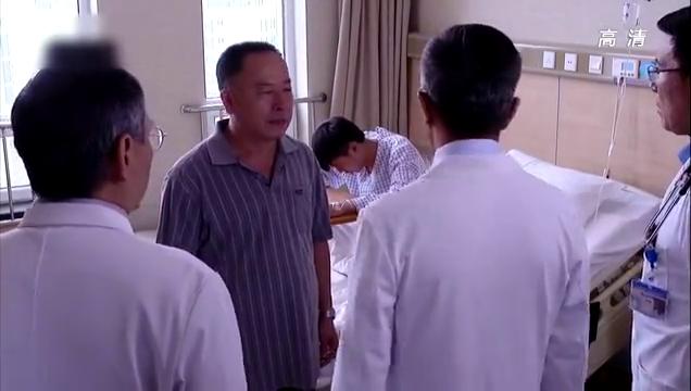 青年医生:尤文氏肉瘤死亡风险高,患者死都要切除,院长决定试试