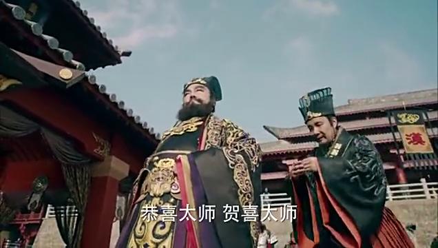武神赵子龙:董卓让王允献上宝剑,王允说了什么,董卓才肯放弃