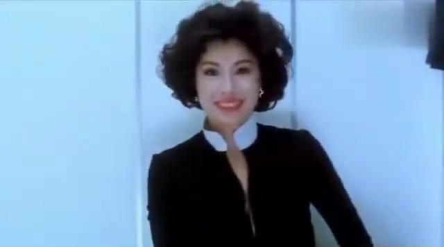 香港经典犯罪电影:邱淑贞饰演杀手经典片段,女神实在太美了