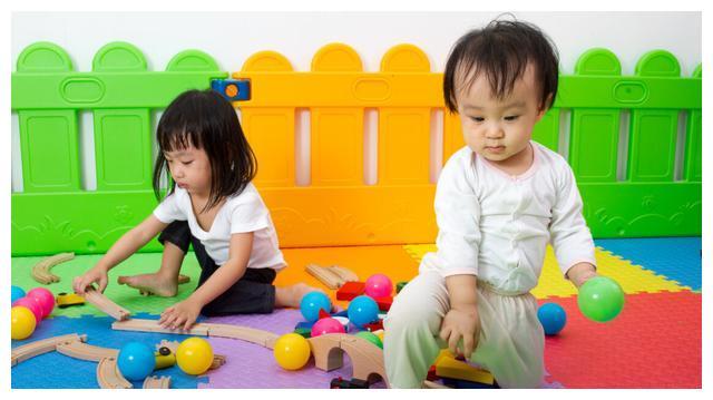 幼儿园里的社交堪比小江湖,把握社交敏感期要避免这4点育儿误区