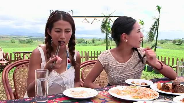 男子告诉女子,练武之人饭量很小,朋友嘲笑男子吃饱了没事干