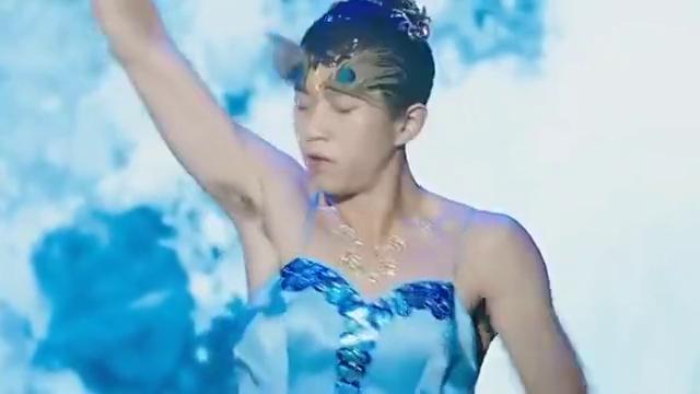 邓超穿女装走模特,杨幂哭笑不得,金星彻底陶醉了