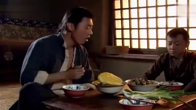 闯关东:传武吃饭太糙,遭弟弟传杰嫌弃,哪料亲娘也同意传杰说的