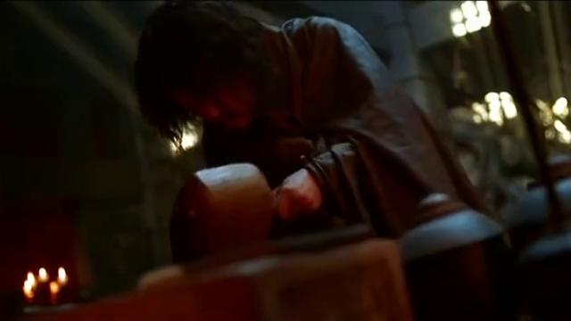 张小敬从崔六郎尸体中发现长安舆图,断定狼卫今日有大谋