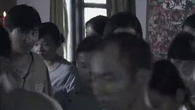 刘墨杨计划第二天去偷图纸,他说他会在阅览室引起纷争