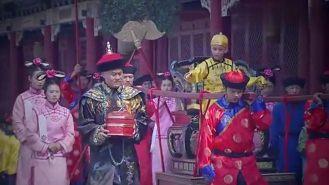袁世凯霸占紫禁城办公,溥仪大喊袁世凯,吓得奴才扛起他就跑!