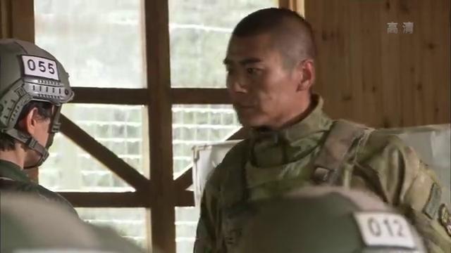 谭晓琳让女兵们归还武器到武器库,被雷神大骂特骂,集体扣掉十分