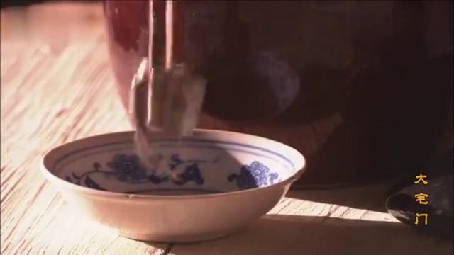 大宅门:白景琦在老师的鼻烟壶放臭豆腐汤,气的老师不干了走人
