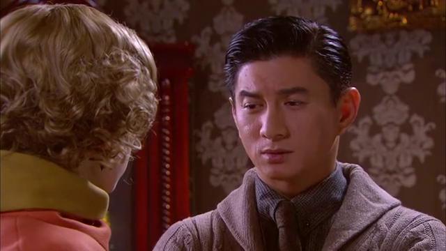 邓子华担心她,萨拉丽娃趁机向他表明心意,邓子华会接受她吗?